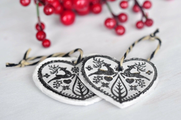 manualidades de navidad decoracion corazones blanco negro ideas