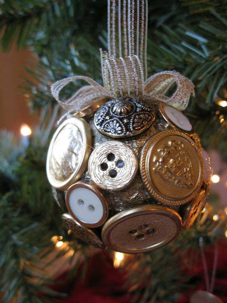 manualidades navidad decoracion bola botones ideas