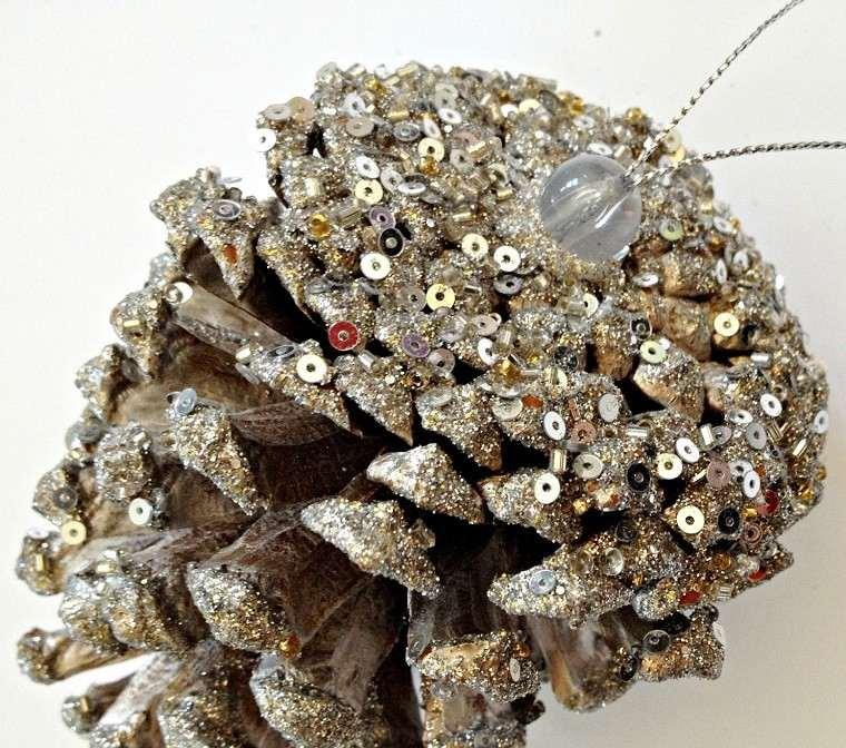 manualidades navidad decoracion pina brillante ideas
