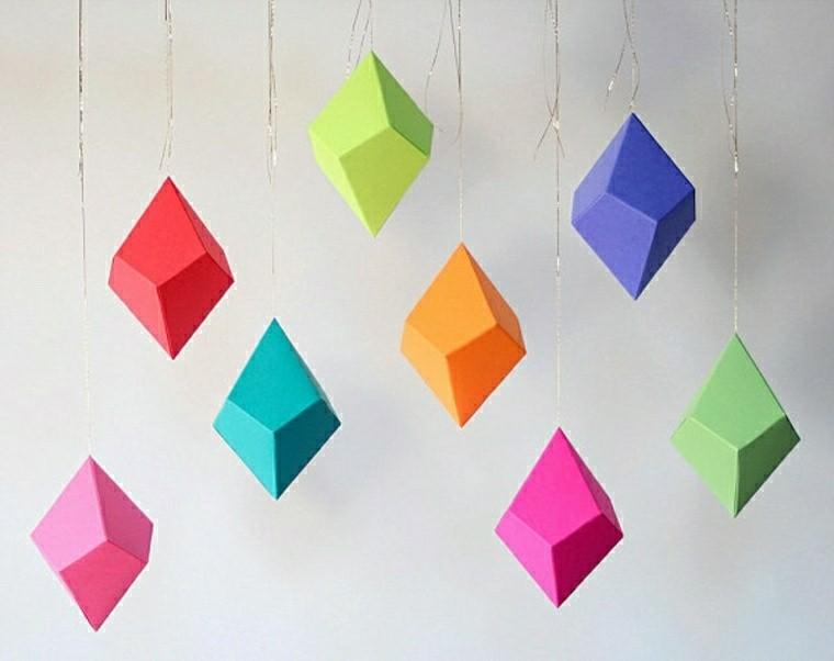 Creatividad Con Hojas De Colores. Bonita Guirnalda Para Navidad ...