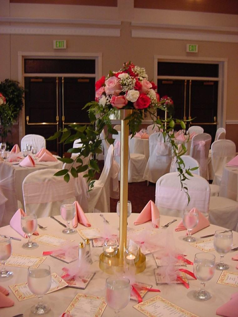 mesa boda centro rosas colores