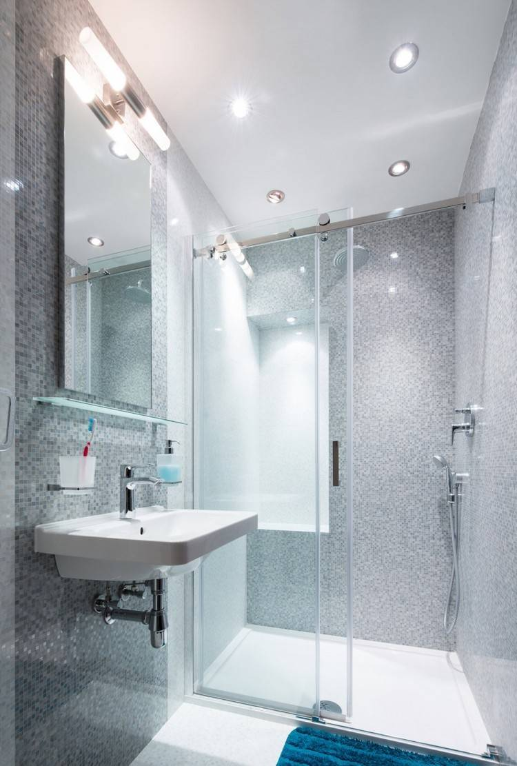 mosaico baño paredes luces