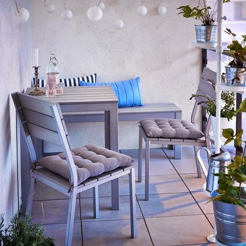 Muebles bonitos para el balcón o la terraza moderna -