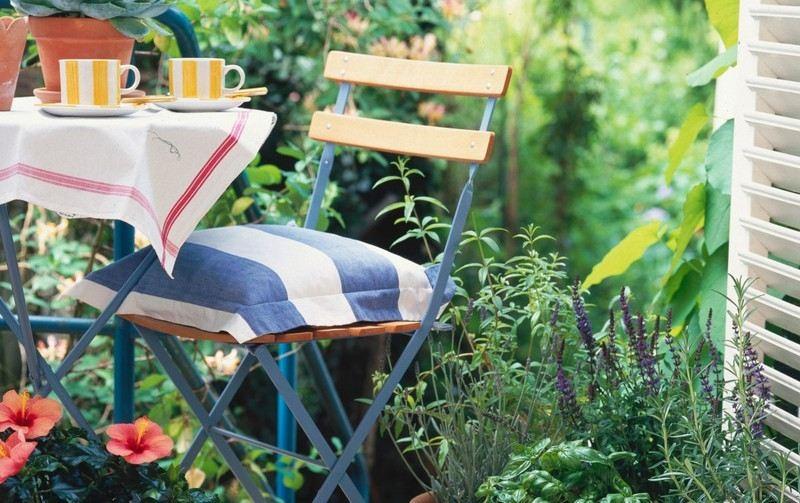 muebles balcon terraza bonitos moderna silla acero madera ideas