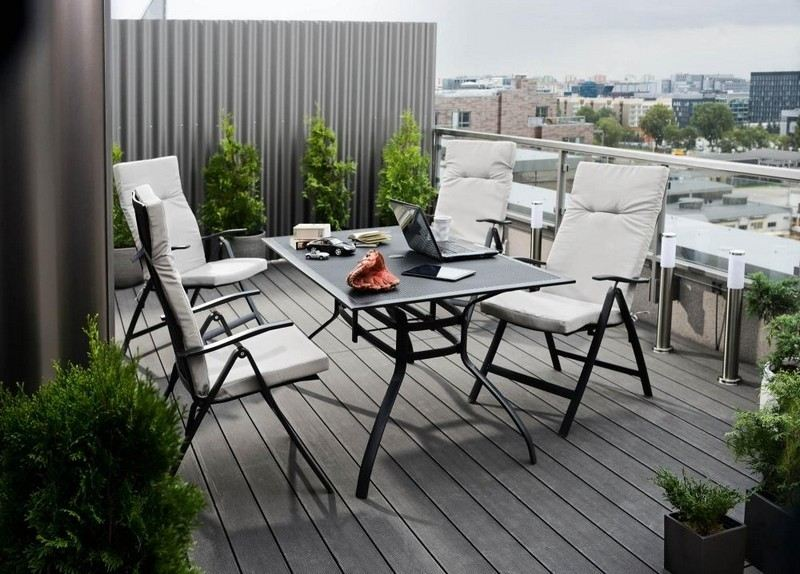 Muebles bonitos para el balc n o la terraza moderna for Accesorios para toldos de balcon