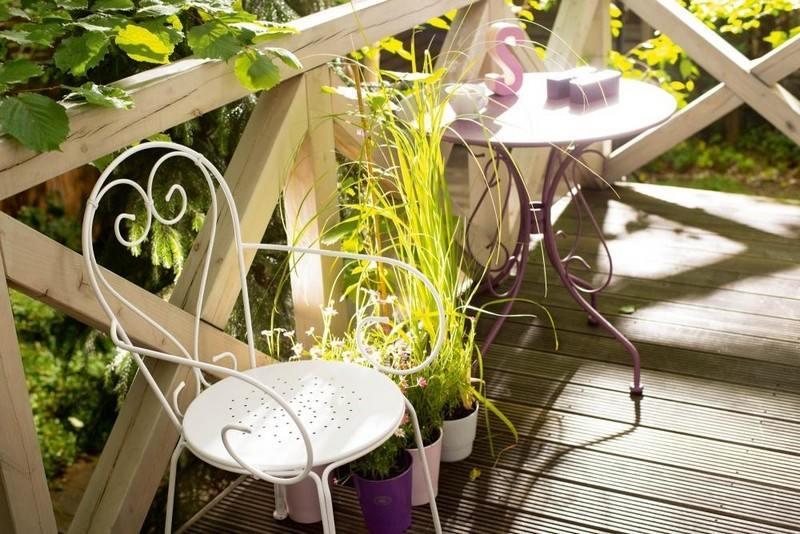 muebles bonitos balcon terraza moderna silla blanca ideas