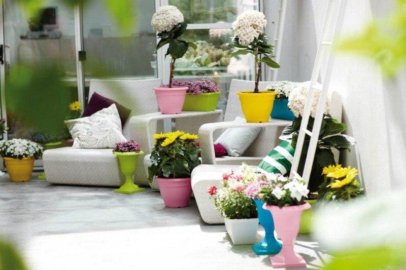 muebles bonitos balcon terraza moderna sillones  blancos ideas