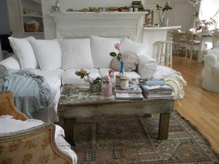 muebles de salón estilo shabbi chic vintage mesa antigua madera ideas
