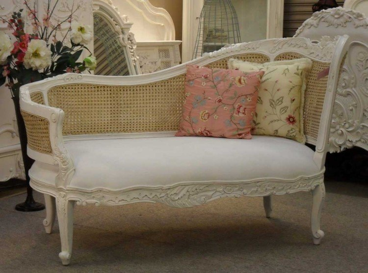 muebles salon estilo shabbi chic vintage cojines flores ideas