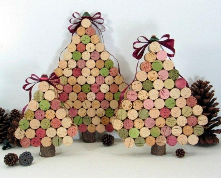 navidad manualidades faciles madera corchos pinos