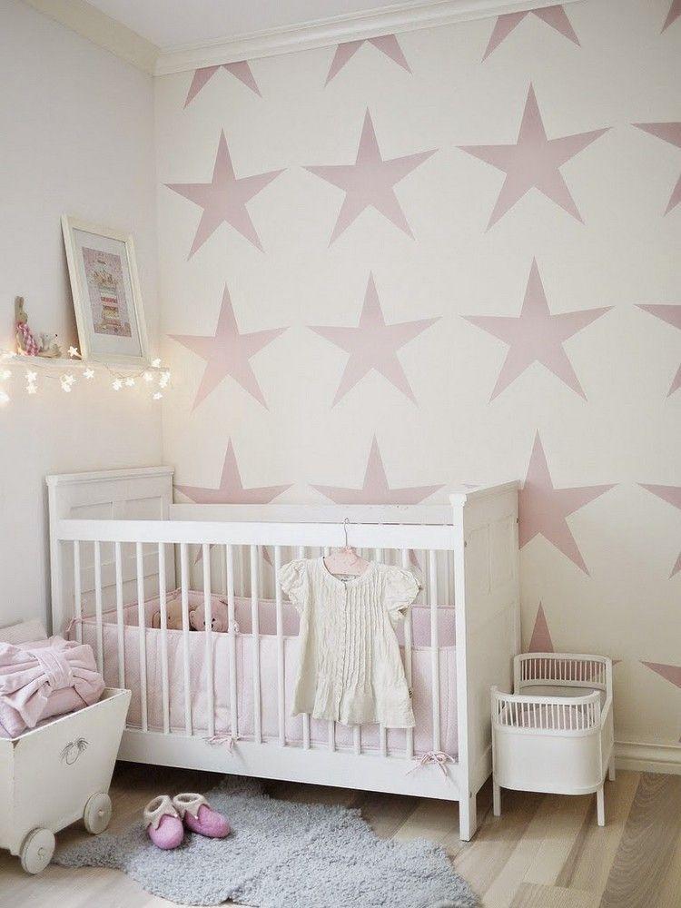 pared blanca estrellas rosa