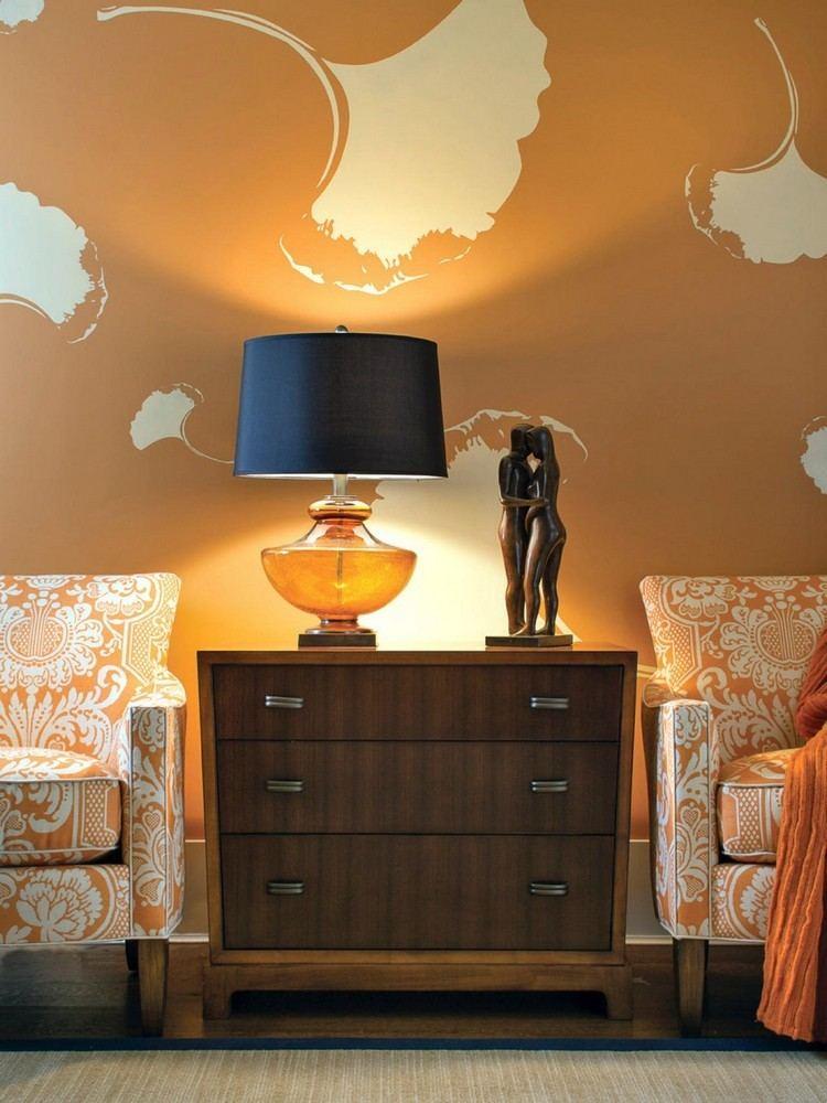 pared color ocre anaranjado
