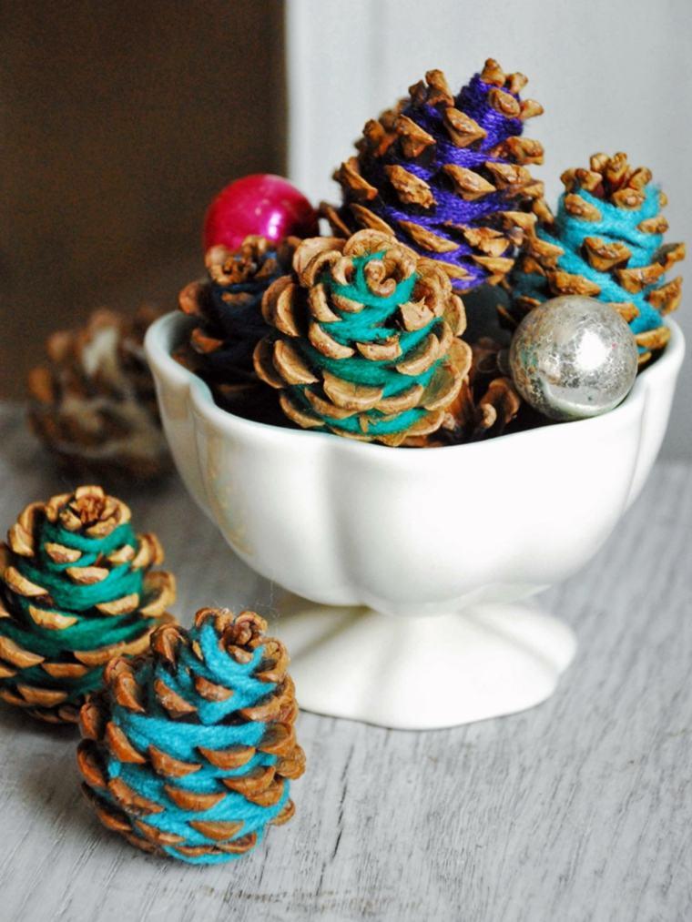 Manualidades navide as y adornos originales m s de 50 ideas originales - Pinas decoradas para navidad ...