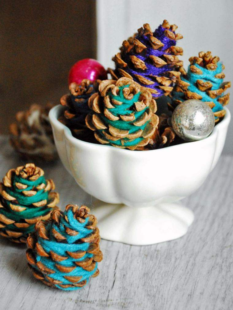 piñas pino decoradas cuerdas colores