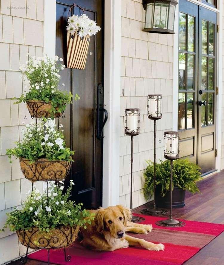Primavera ideas decorativas para porches acogedores - Ideas para decorar porche entrada ...