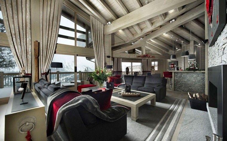 salon amplo lujoso cortinas beige techo alto ideas