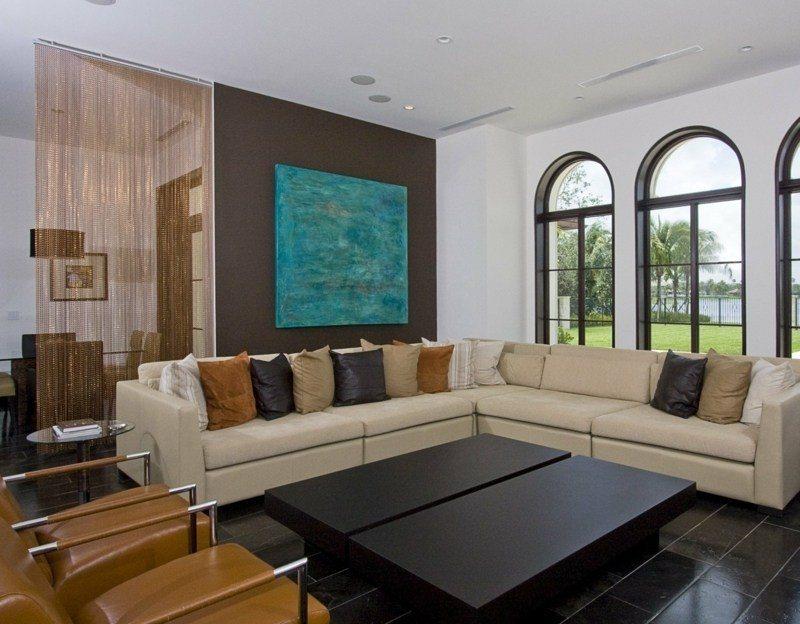 Salon moderno ideas de paredes de color marr n for Combinar colores decoracion salon