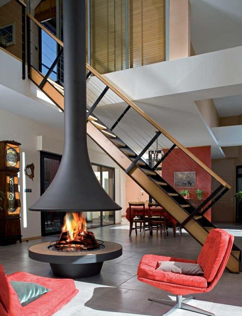 salones chimenea modernos sillones rojos techo alto ideas