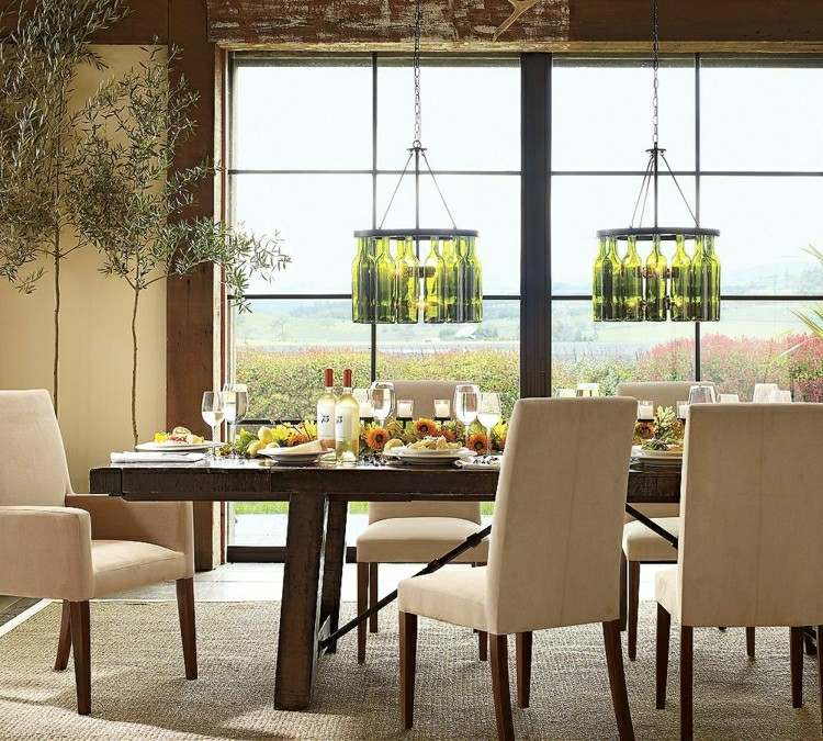 Muebles de comedor de colores oscuros 50 ideas for Sillas comedor color beige