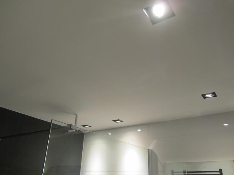 techo baño luces incrustadas redondas