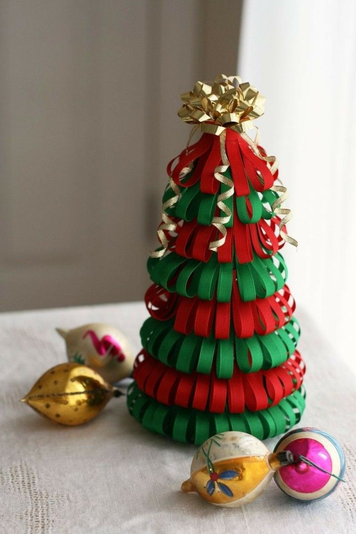 manualidades de navidad para niños abeto pequeño tiras tela colores