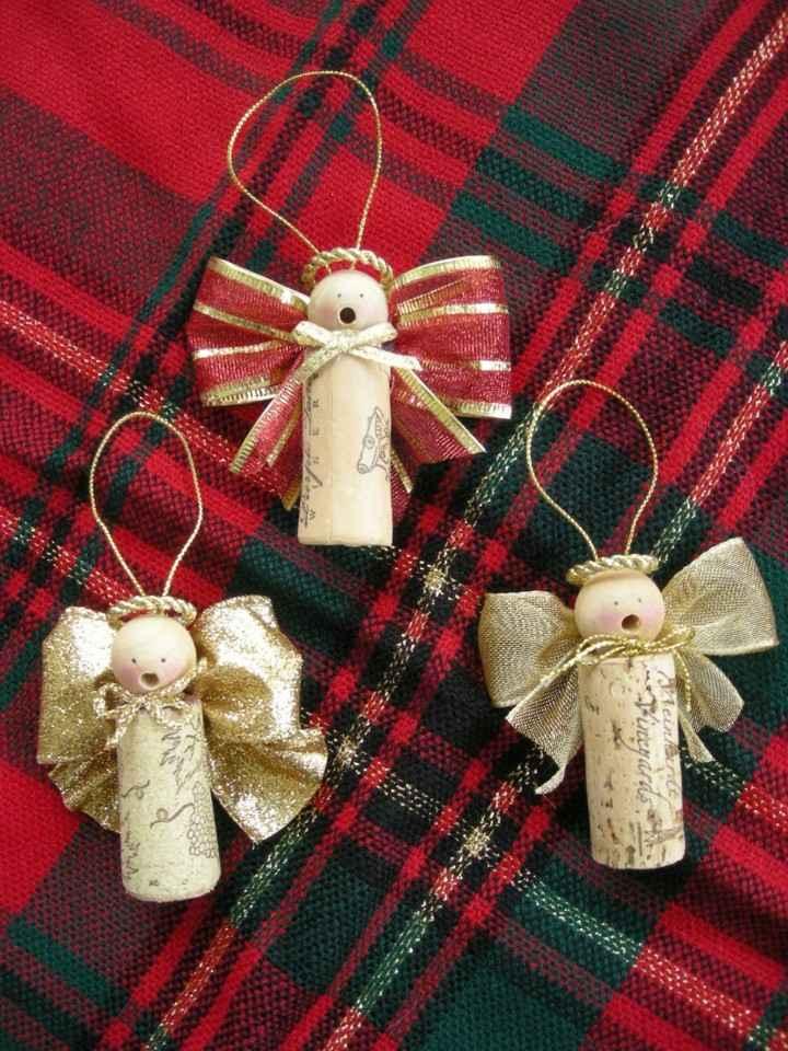 manualidades de navidad para niños adornos forma angelitos tapones corcho