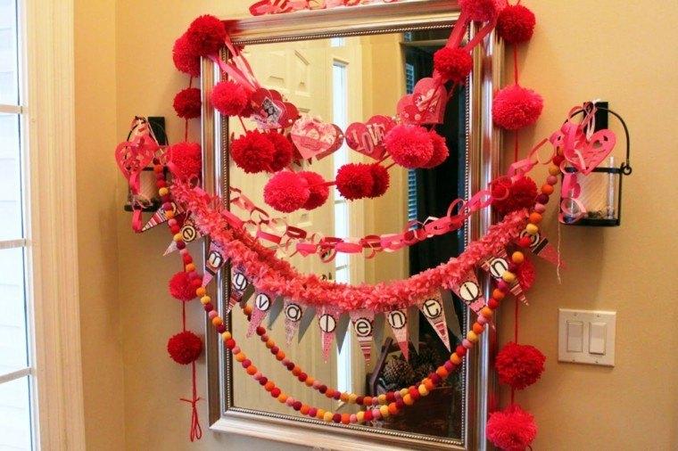 adornos guirnaldas caseras rojas pòmpones