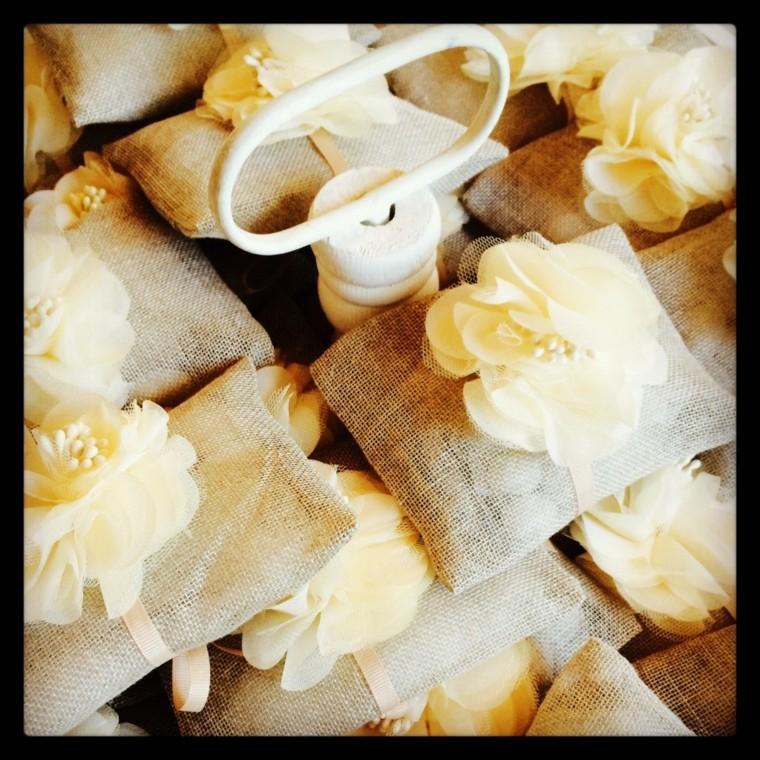 arpillera decoracion bolsas llenas caramelos ideas