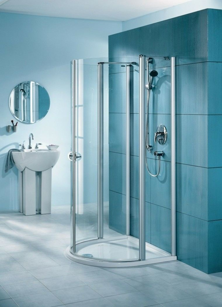 Ba os de color los tonos ideales para el cuarto de ba o for Azulejos para duchas