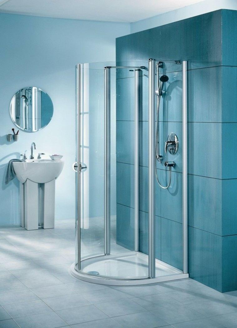baño ducha azulejos grandes azules