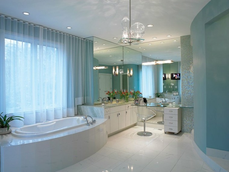 baño estilo lujoso color celeste