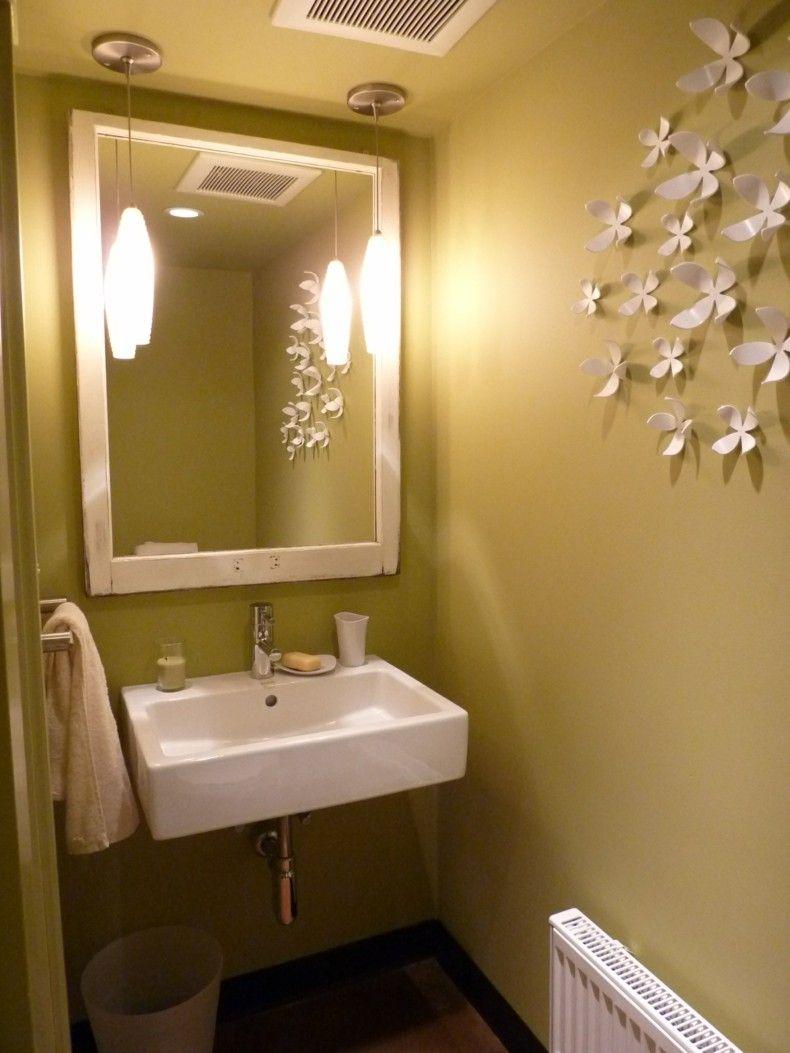 baño pequeño color amarillo verdoso