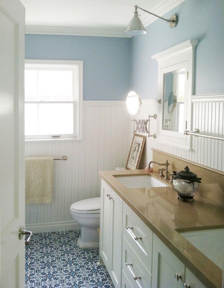 baño pequeño color celeste retro