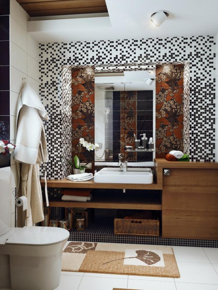 baño pequeño toallas murales flores suelo