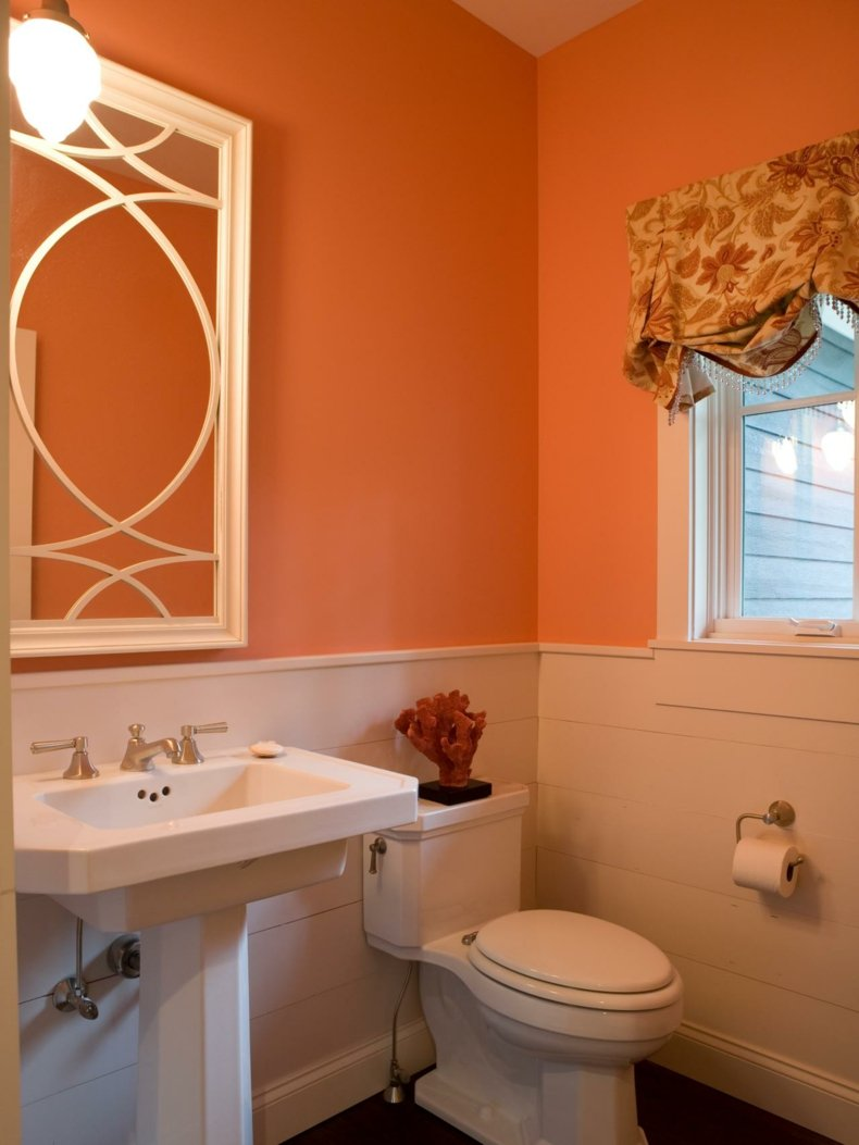 cuarto baño de color naranja