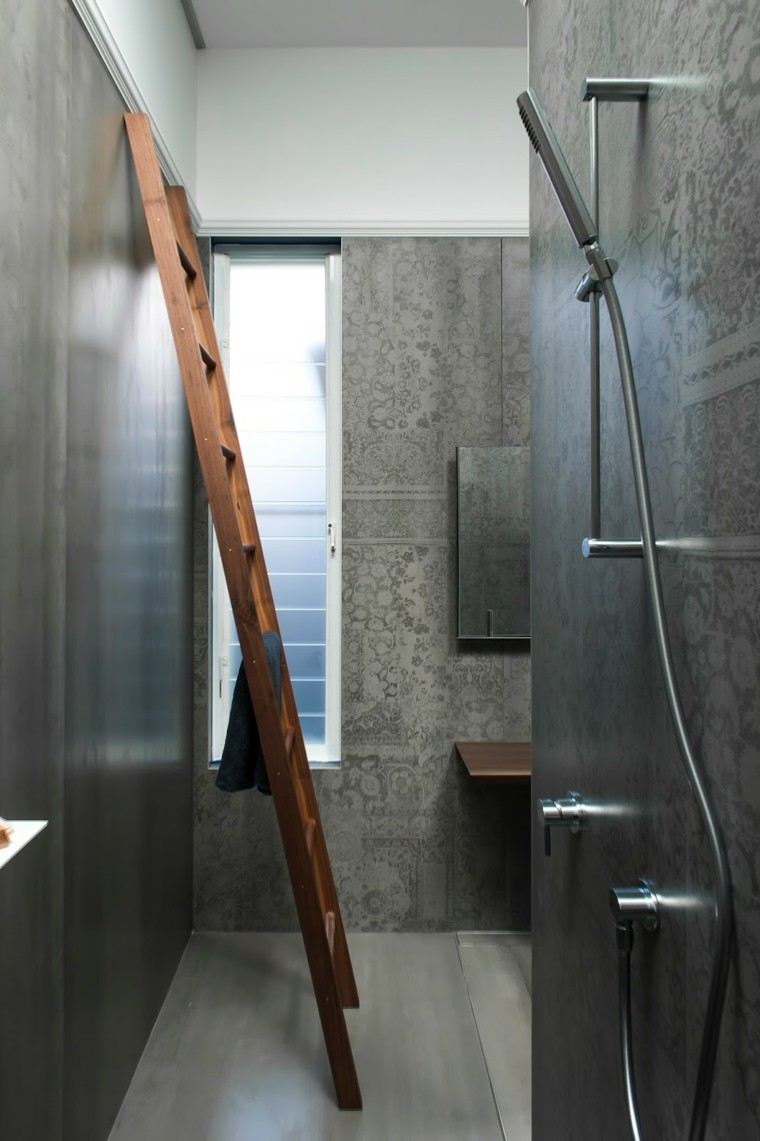 Ba os modernos con ducha 50 dise os impresionantes for Escaleras con medio bano