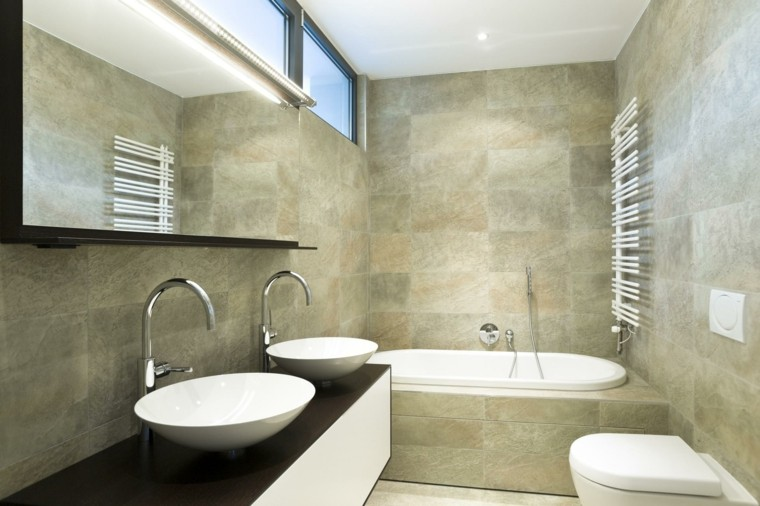 Ba os peque os 36 ideas para espacios estrechos - Average cost of a new bathroom 2017 ...