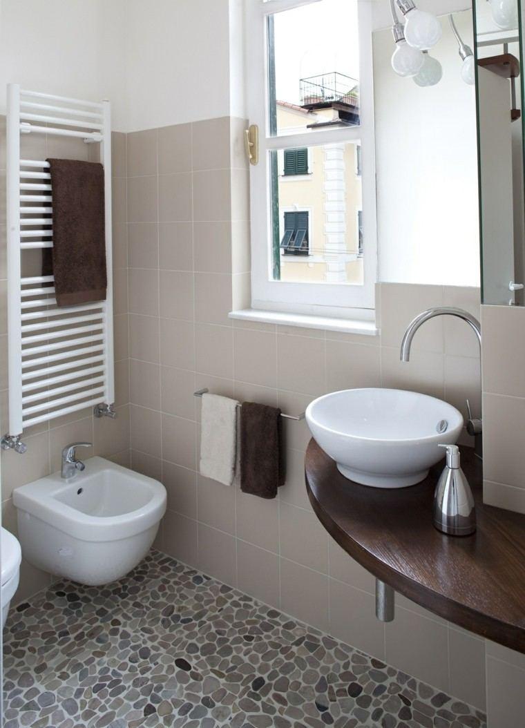 Ba os peque os 36 ideas para espacios estrechos for Mosaicos banos modernos
