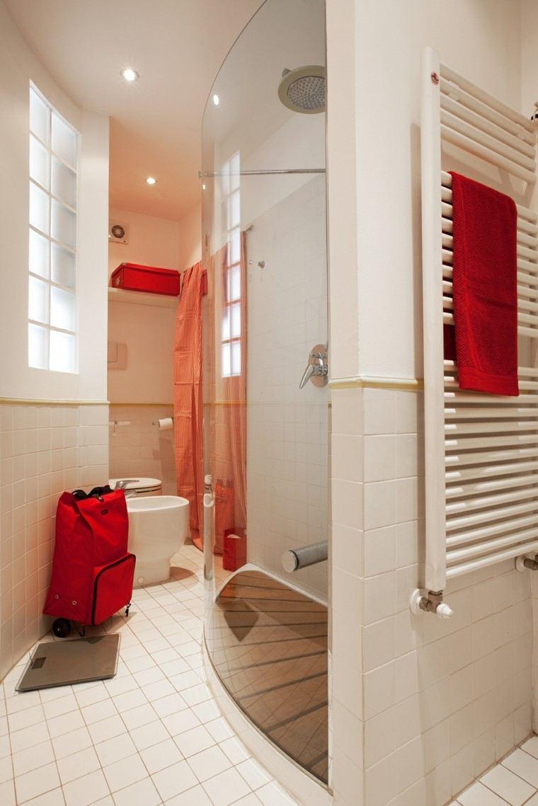 Lavabos Para Baños Estrechos:Lavabo de madera en el baño pequeño