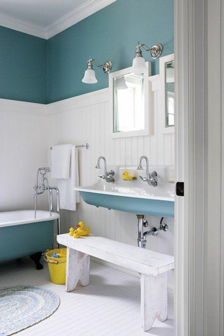 baño estilo retro celeste blanco