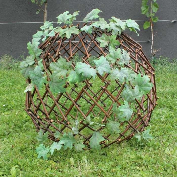 bola ramas madera plantas trepadoras jardin ideas