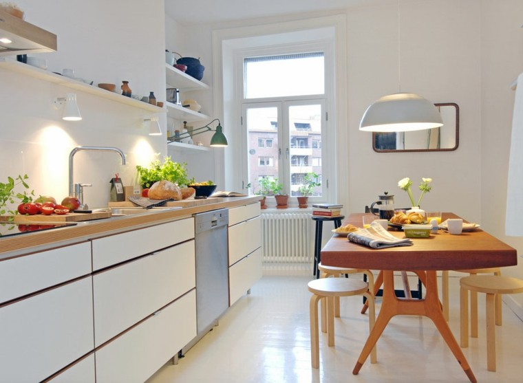 bonita cocina mesa madera pequea
