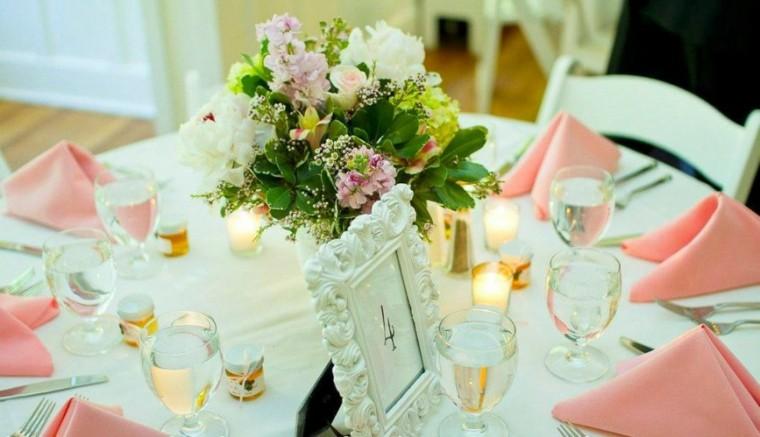 bonita decoración mesa boda