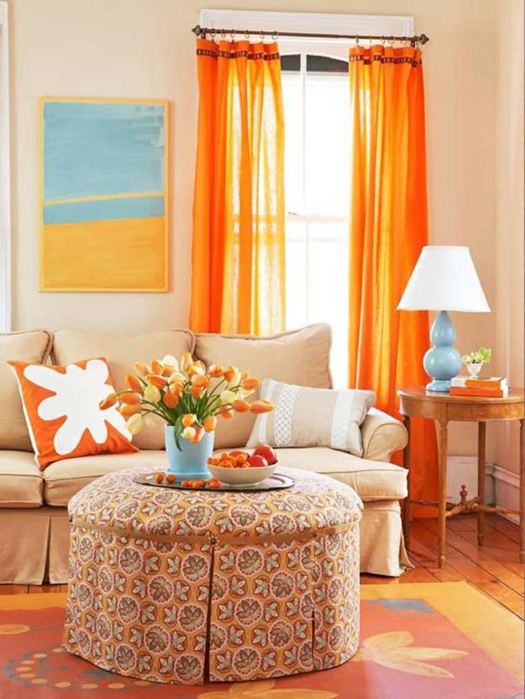 bonita sala de estar naranja
