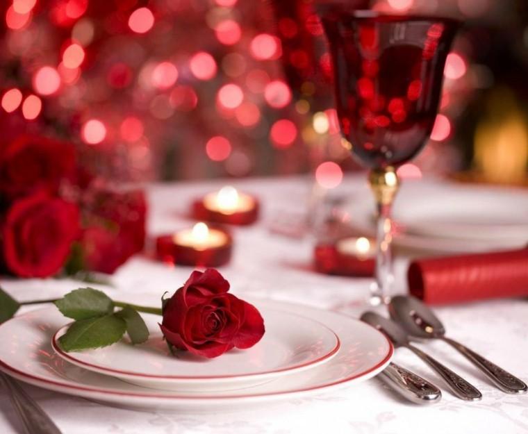 bonita mesa deco rosa roja