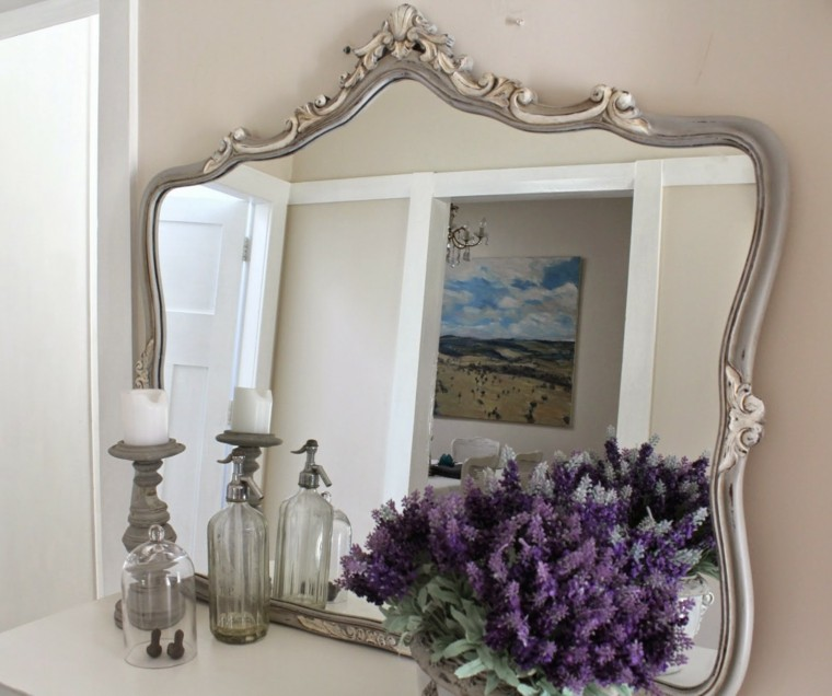 Espejos vintage dise os retro que marcan estilo for Disenos de marcos para espejos grandes