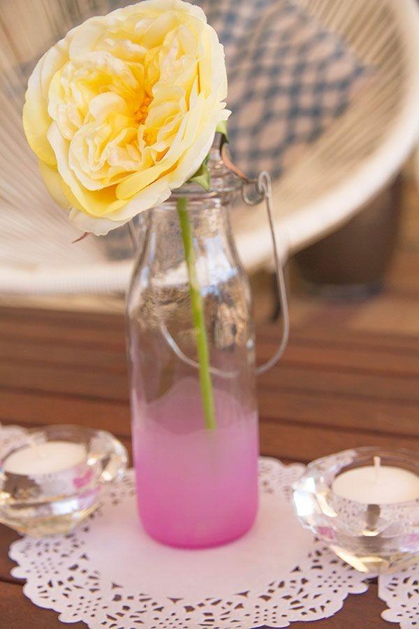 botella vieja deco flor amarilla