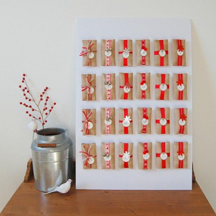 calendario de adviento plantas rojo metales