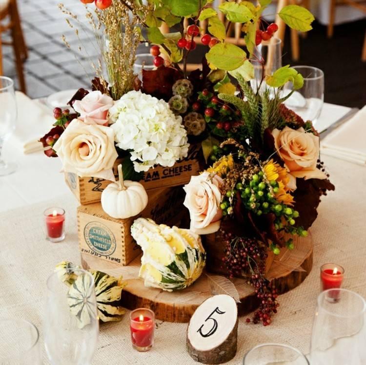 centro de mesa decoracion flores calabazas