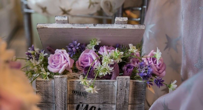 Centros de mesa para bodas 100 ideas maravillosas - Mesas con cajas de madera ...